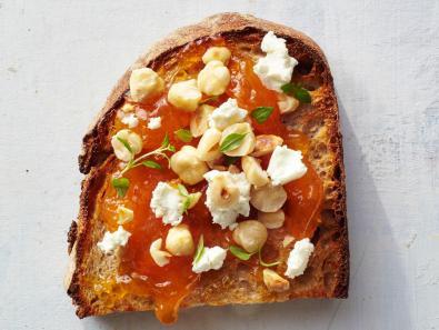 apricot-hazelnut-toast.jpg